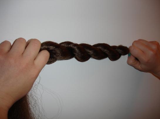 doyoudesigntoo wordpress com Fallera hair mono how to double-twist