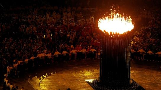 dezeen_com London-2012-Olympic-Cauldron-by-Thomas-Heatherwick-2