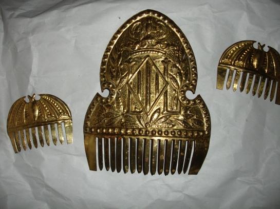 doyoudesigntoo wordpress com 3 Tiara Corona Peinetas Crown Combs Practica Mallas Pello Fallera Valencia Hair How To DIY Tutorial
