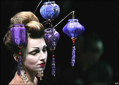 7 galliano-lantern-headdress